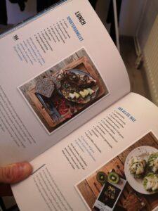 Op deze foto zie je recepten uit het boek topfit