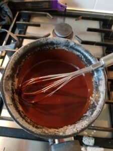 Op deze foto zie je hoe de Chocolade stukjes gesmolten worden