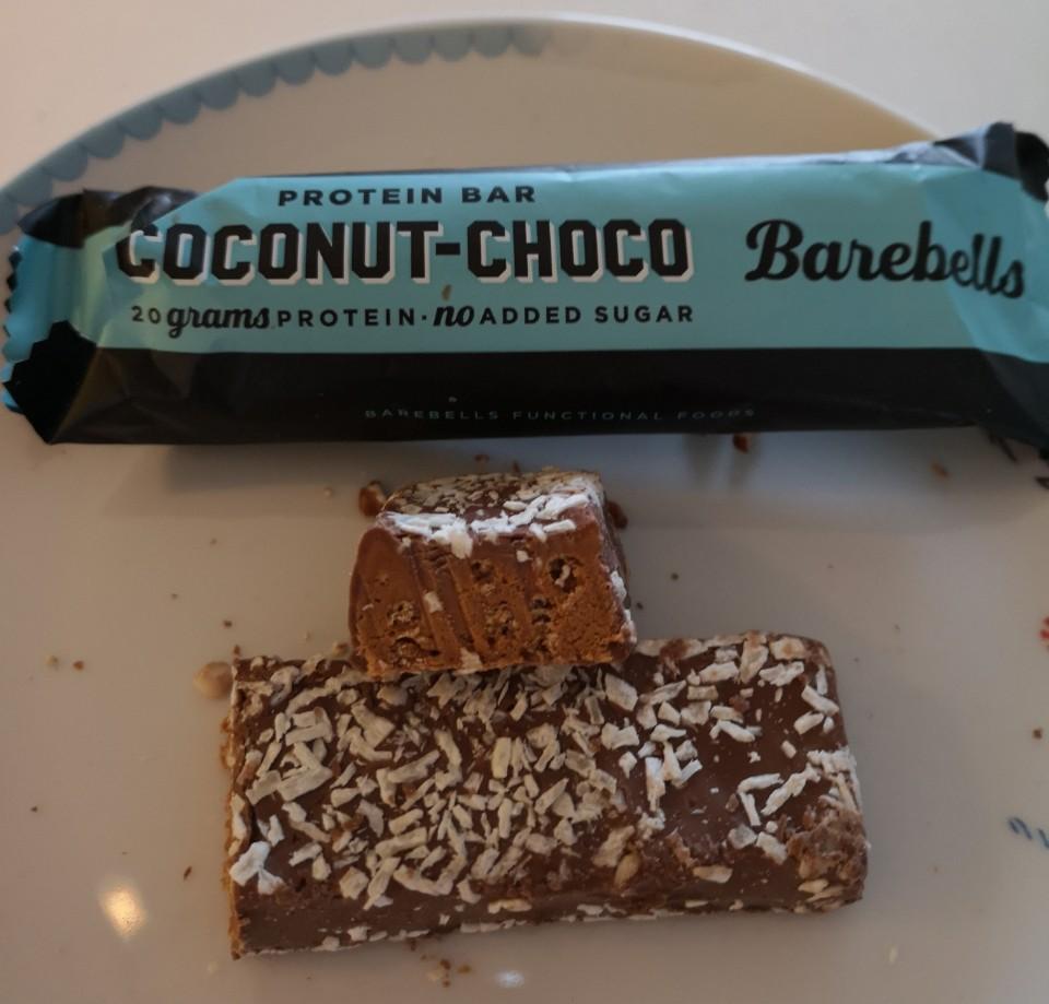 Op deze foto de smaak Coconut - Choco van de barebells repen