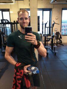 Op deze foto doe ik door middel van fitness voor een positieve mindset