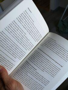 Foto van een hoofstuk van het boek