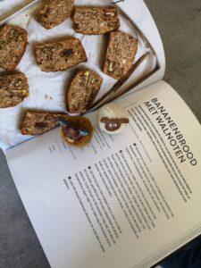 Foto van een recept van bananenbrood met walnoten