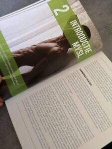 Op deze foto zie je de Introductie pagina van het boek Shredded Lifestyle
