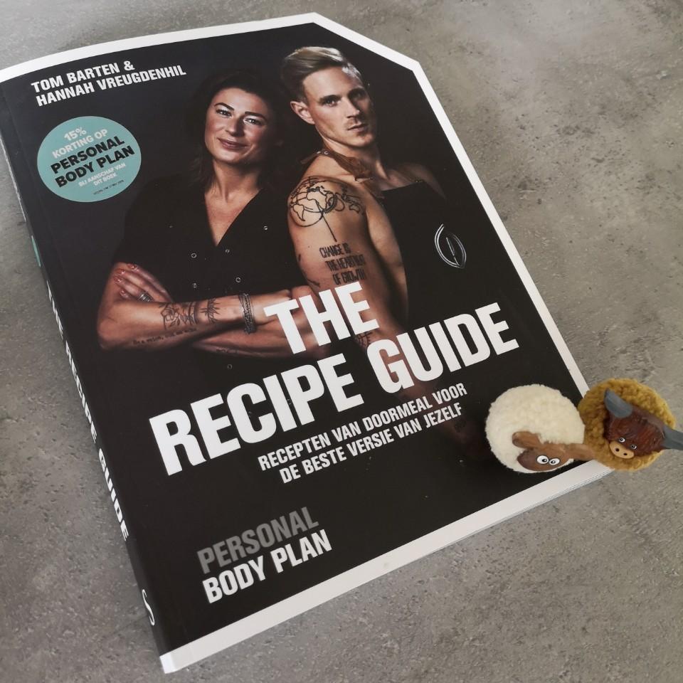 het boek vanaf boven zijkant the recipe guide