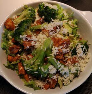 Op deze foto zie je een voorbeeld van mijn lunch tijdens intermittent fasting