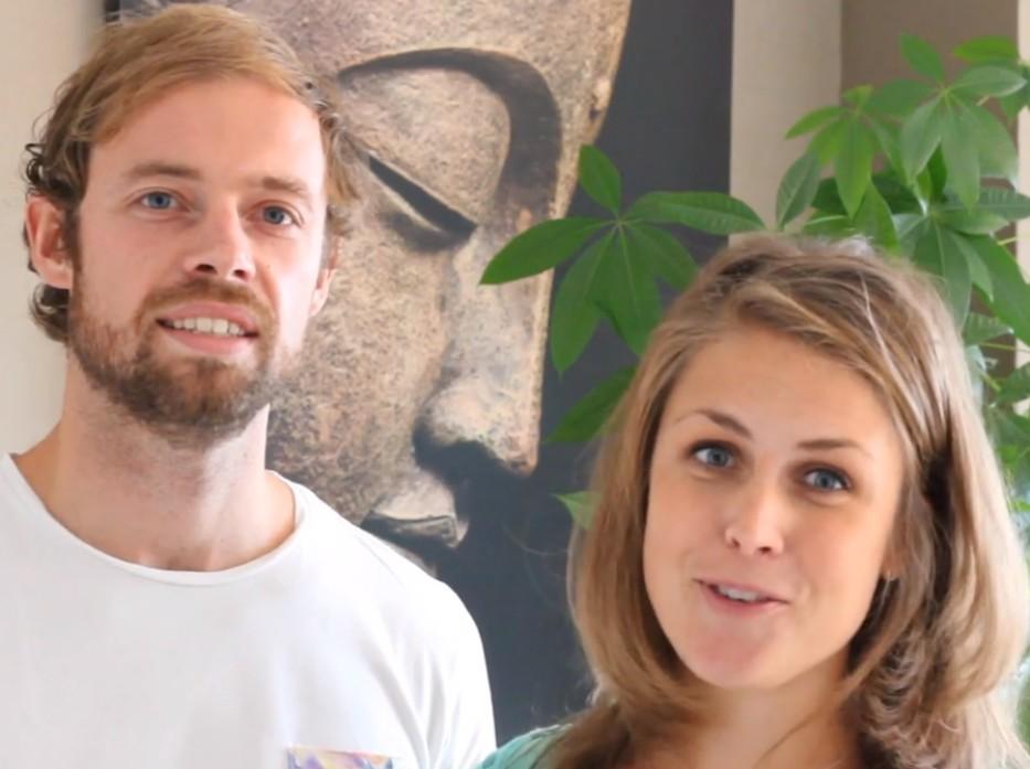 Op deze foto zie je Rolf van Baalen en Melanie van Baalen van Happy with yoga