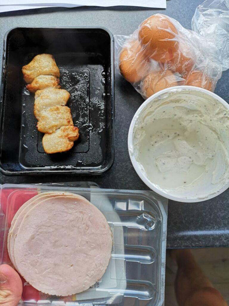 Op deze foto zie je voorbeelden van eiwitten tijdens het droog trainen/cutten