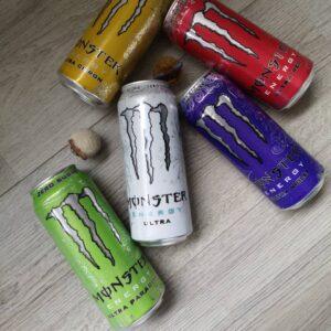 Op deze foto zie je de Monster Energy pre-workout, mijn nummer 4