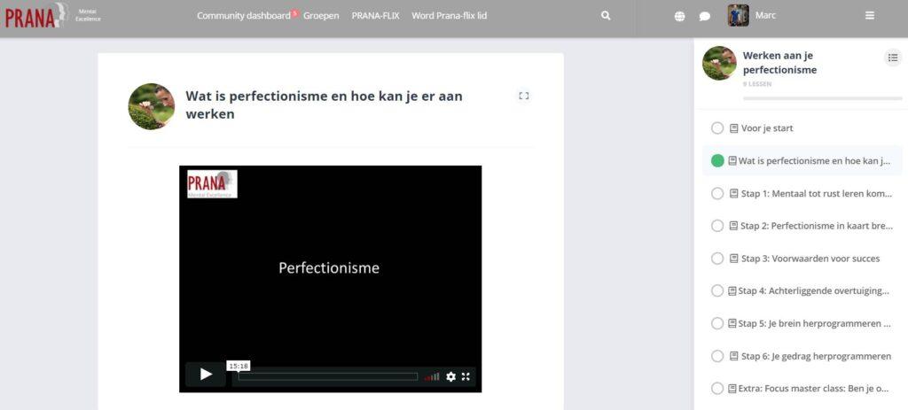 Op deze foto zie je de online omgeving van de cursus Werken aan je perfectionisme