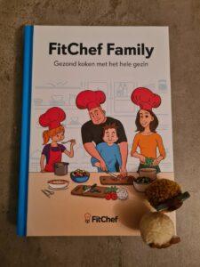 Op deze foto zie je het boek van fitchef family
