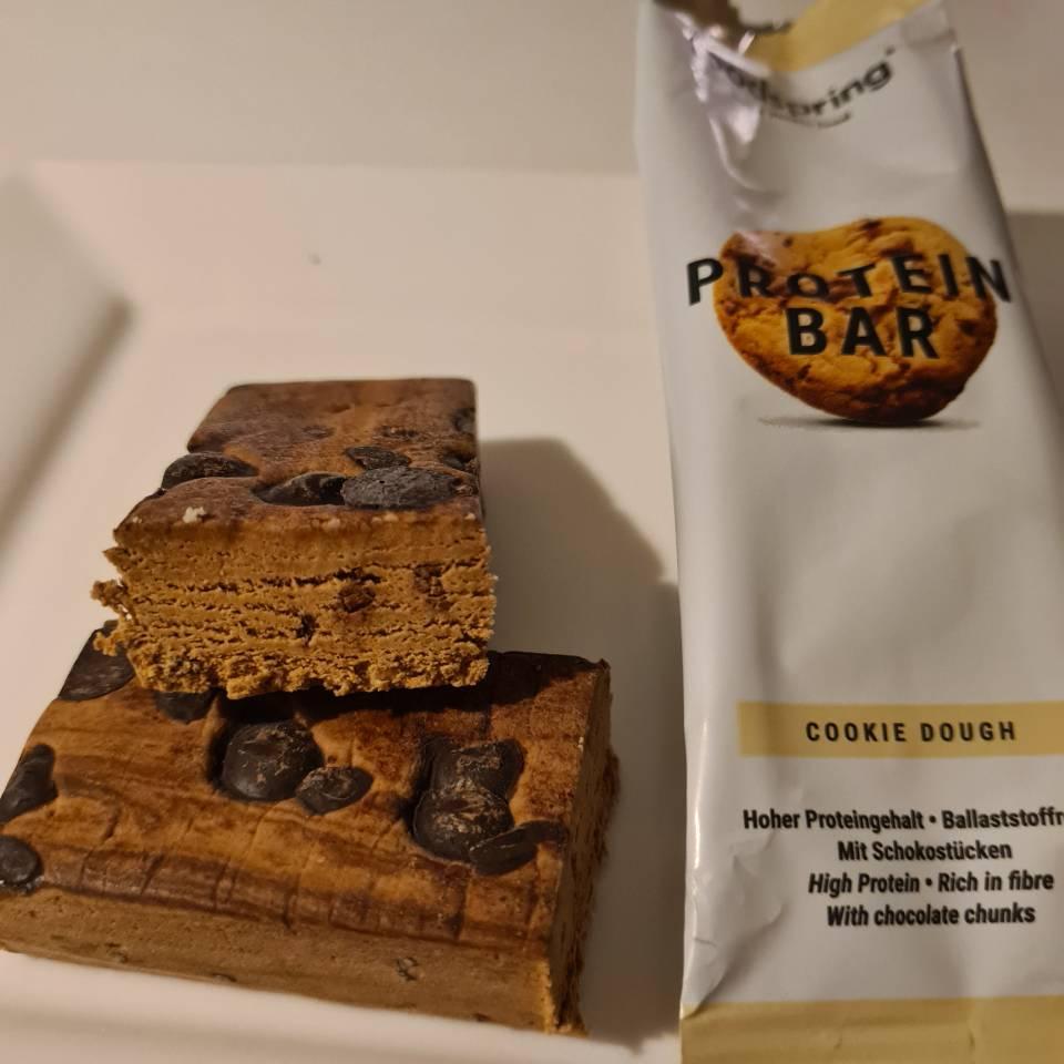 Op deze foto zie je de Protein bar smaak Cookie Dough van foodspring