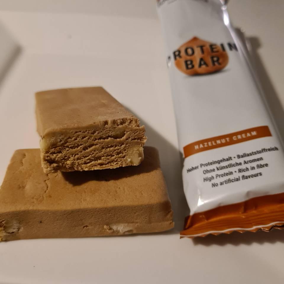 Op deze foto zie je de Protein Bar smaak Hazelnoot Cream van foodspring