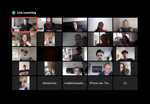 Op deze foto zie je de LIVE coaching sessies van de High Ticket Dropship Academy